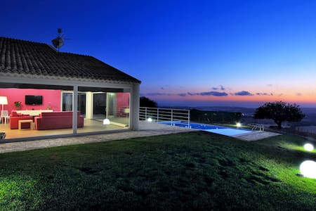Atena, villa with panoramic pool - Ragusa
