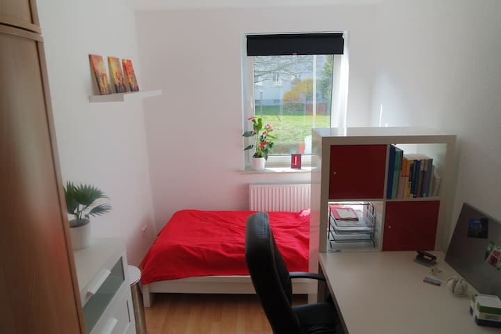 Messe- & Citynahes Zimmer - Hannover - Apartment
