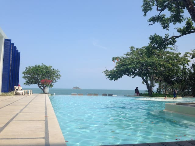 Beach front Condo for rent, Hua Hin