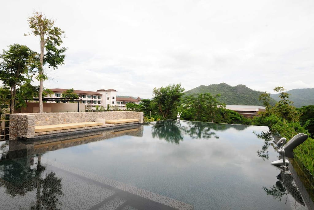 Common outdoor pool, where you can enjoy natural feeling of forest view.