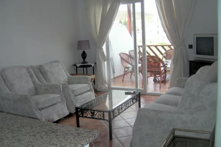 Elegant comfortable 2 bedroom appt. for 4-6 - Cabo Negro - Wohnung