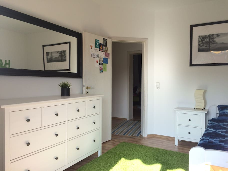 Dein / Euer Zimmer mit Kommode und Doppelbett *** Your room with chest of drawers and full-size bed