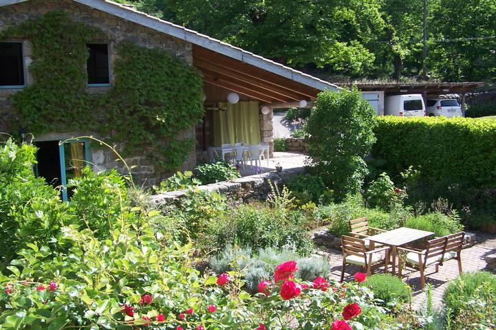 Gîte La Bergerie en Ardèche 6/7 per