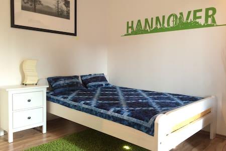 Zi. + Bad in gr. Whg / Messezimmer - Hannover - Apartemen