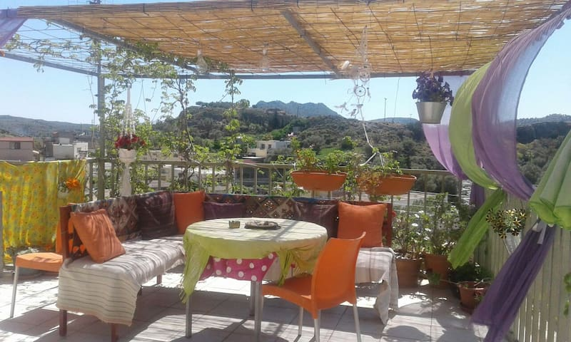 Zaros,sml apartment,mountain view! - Ζαρός - Casa
