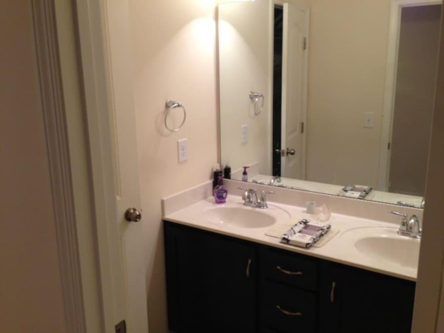 Clean bathroom.