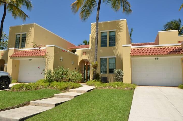 Beachfront Villa at Dorado Reef 2