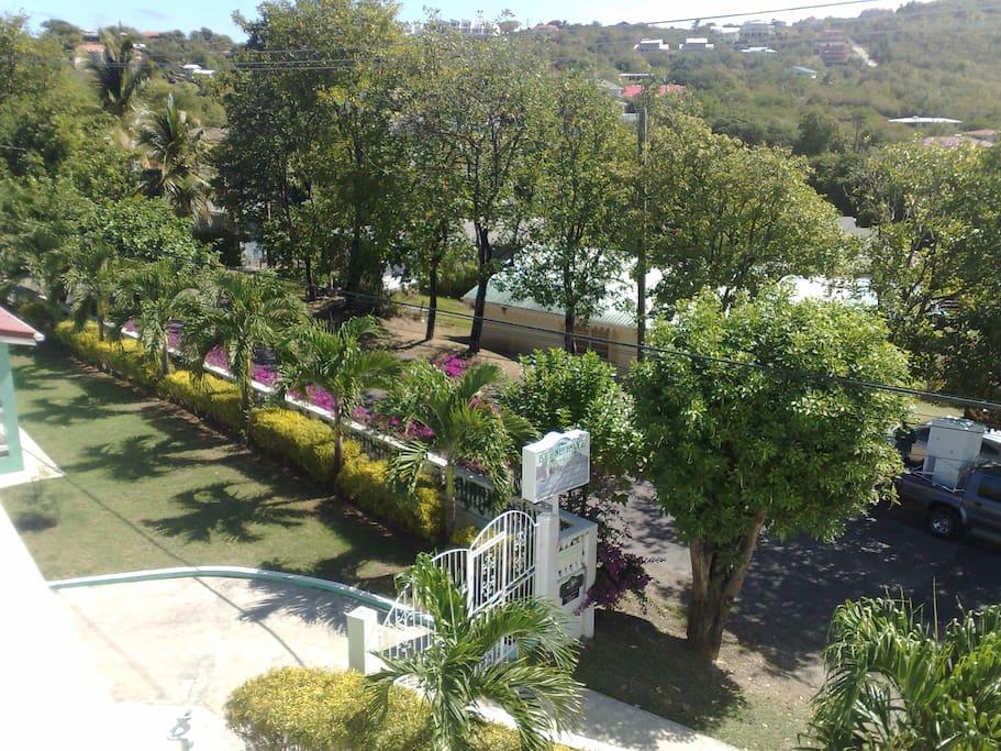 Belle Apartments & Villa Grounds
