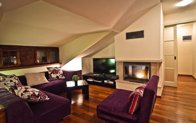Apartment in Vila Wendy (Attic) - Sinaia - Appartement