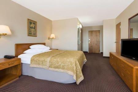 Elegant Quadruple Two Double Beds At Dayton