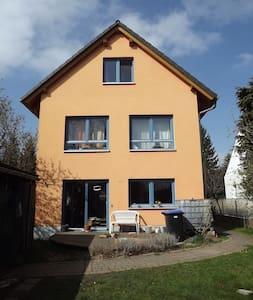 Familienhaus mit Garten und 1Katze - Radebeul