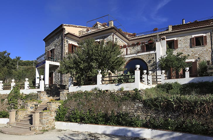 Pietra di Galdo - Pollica - Villa