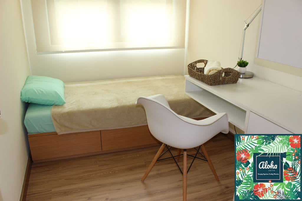 Aloha Single Bedroom with Single Bed (Additional mattress can be added upon request)