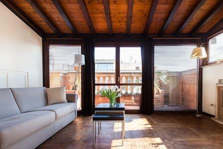 Terraced top floor Vatican studio   - Roma