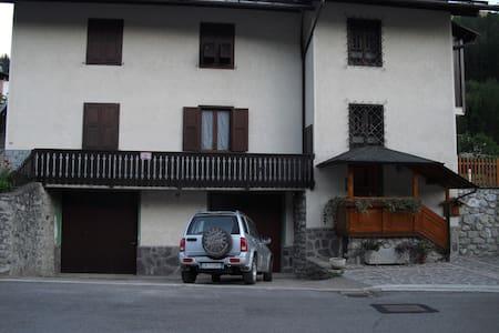 Monolocale a Commezzadura Trentino - Almazzago
