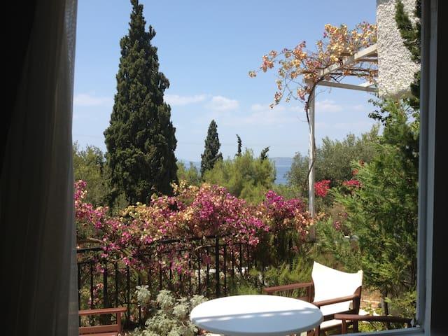 Spetses Beach Studio @ Ligoneri - Spetses - Apartemen