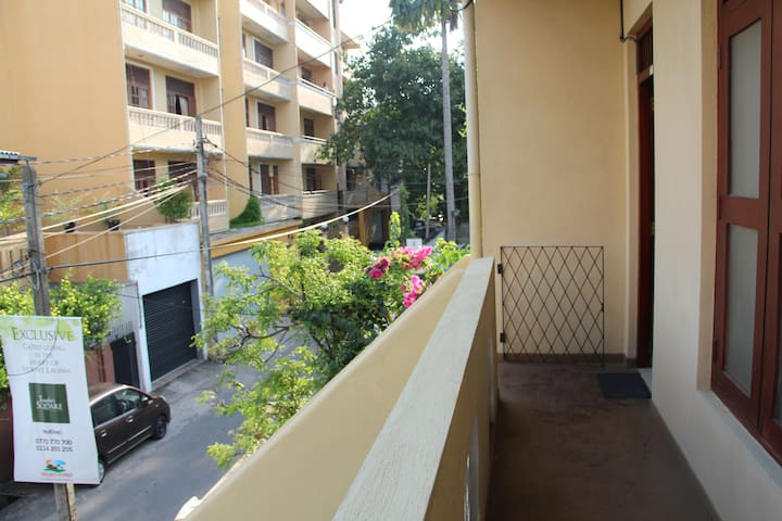 Private Room on Beach Road - Dehiwala-Mount Lavinia