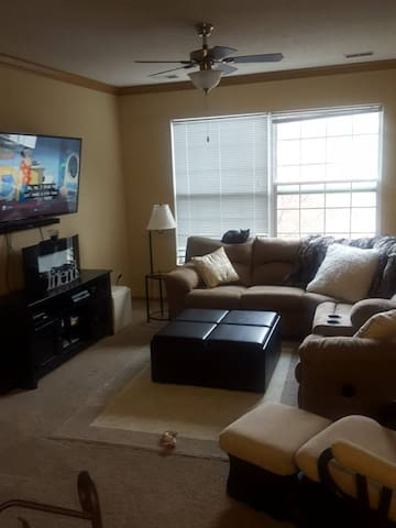 2 Bedroom Townhome in Woodbury, MN! - วูดบูรี่
