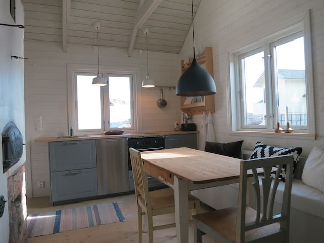 Charming house in archipelago - Hyppeln - Cottage