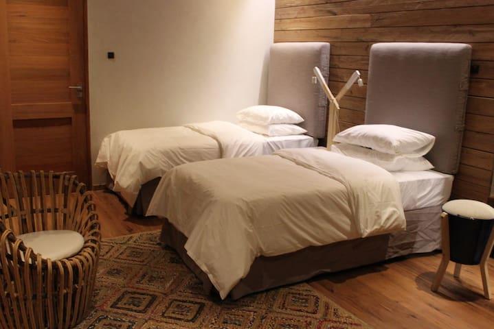 Beach house twin bedroom