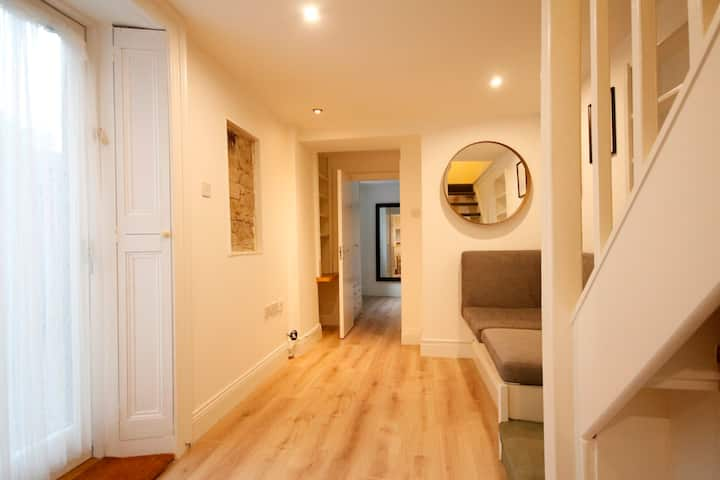 Ranelagh - Cosy One-Bedroom Lower Ground Floor