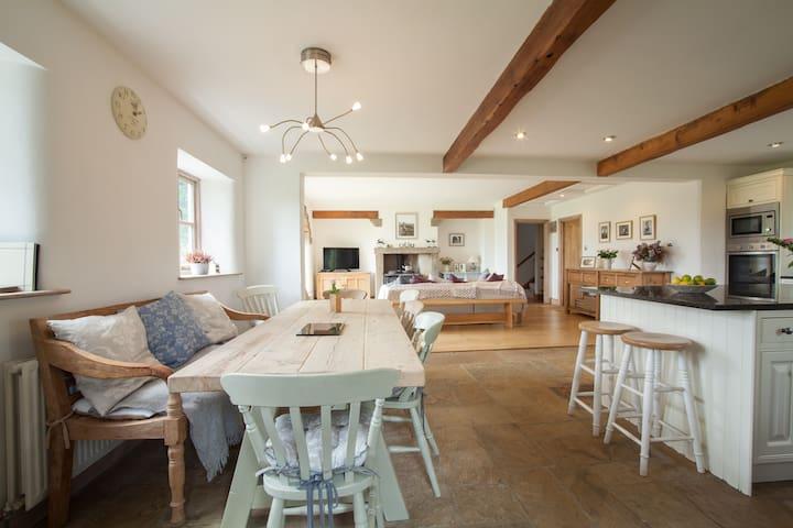 En Suite 'Rustic' Double in Luxury Farmhouse B&B