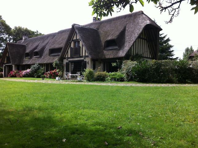 Chaumière Normande - bord de l'Eure - Hardencourt-Cocherel - Oda + Kahvaltı