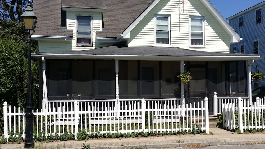 Williams House: Charming 4 Bedrm, Onset Beach