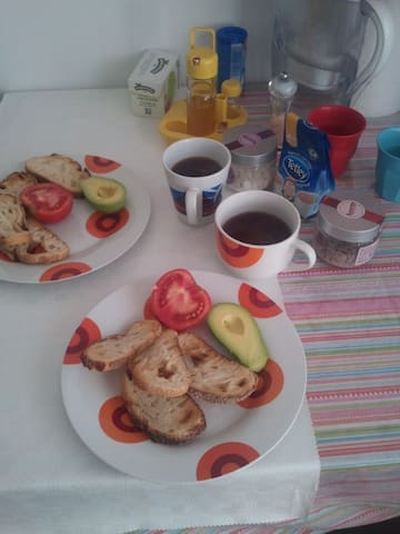 Breakfast & Sun en el CENTRO - Huesca - Appartement