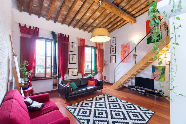 To rent a Loft space in the heart of Florence
