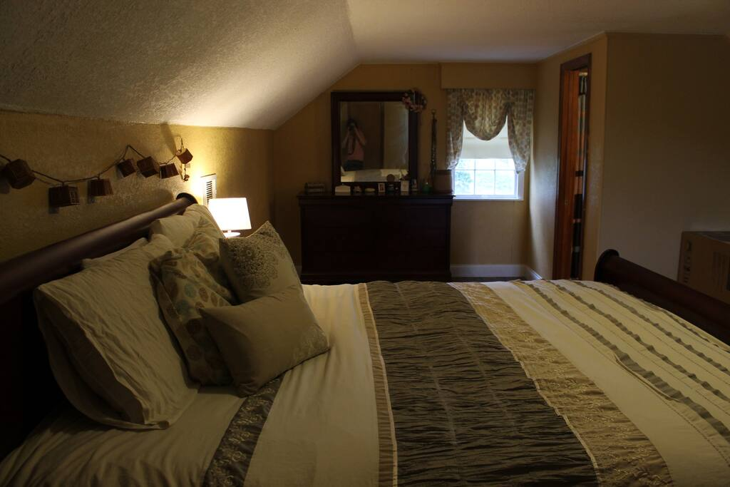Large Suite In A Quiet Neighborhood Houses For Rent In Chattanooga Tennessee United States