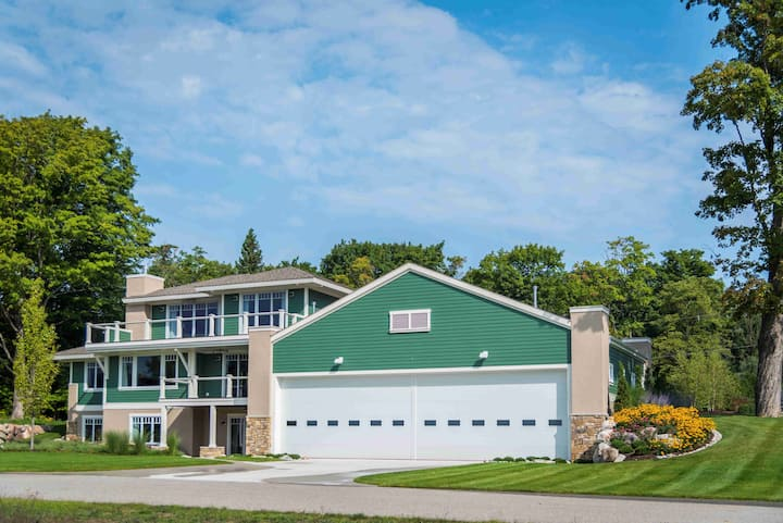 Stunning, Luxury Airpark Home - One of a Kind!