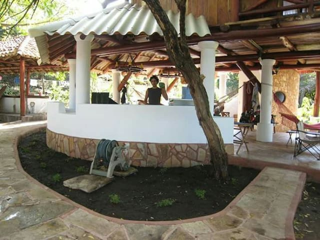 Ayahual Open plan beach-front house - El Tránsito - บ้าน