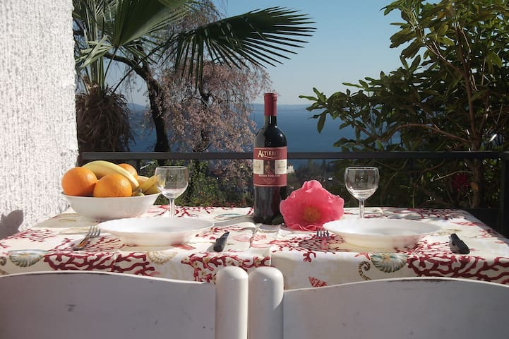 """""""Villa Cate""""-Monolocale Accogliente - Cresseglio di Arizzano - Wohnung"""