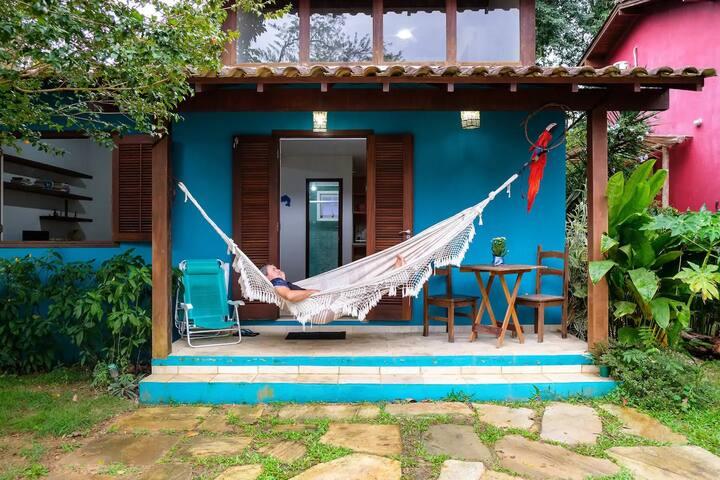 Suite privativa em Paraty. Condomínio c/ piscina