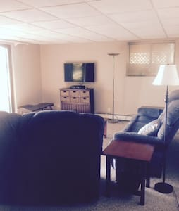 2 Queen Beds, Kitchen, Living room - Mattituck - Apartamento