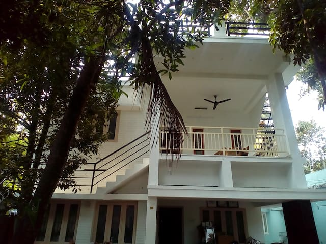 Villa Mattancherry 2BHK Entire Apartment