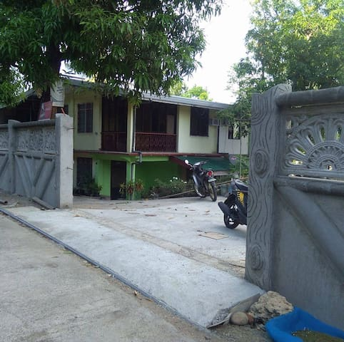 Cimatu Family Farmhouse