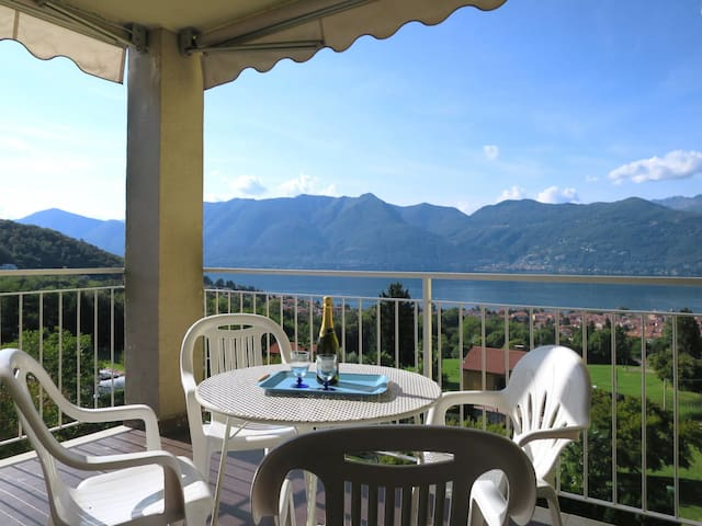 Apartment Residence Euroville for 4 persons in Luino