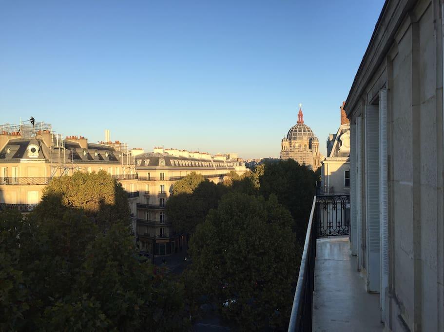 chambre haussmannienne 5 me tage balcon guest houses louer paris le de france france. Black Bedroom Furniture Sets. Home Design Ideas