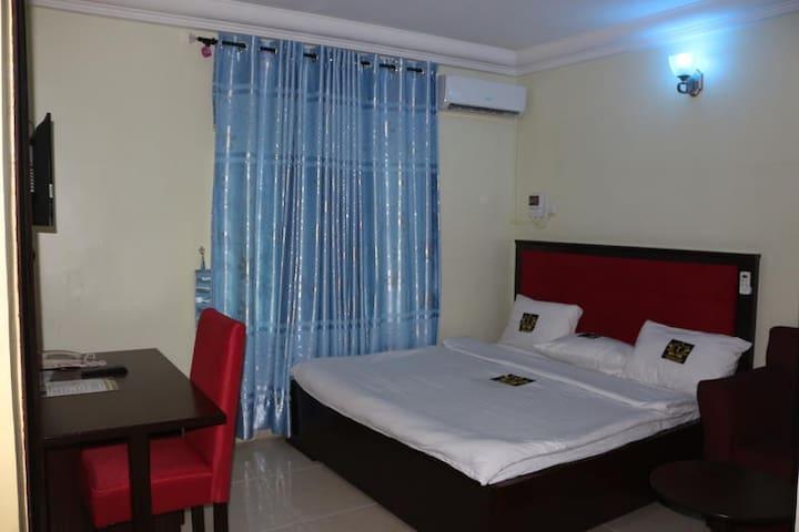 TommsVille Hotels - Diamond Room