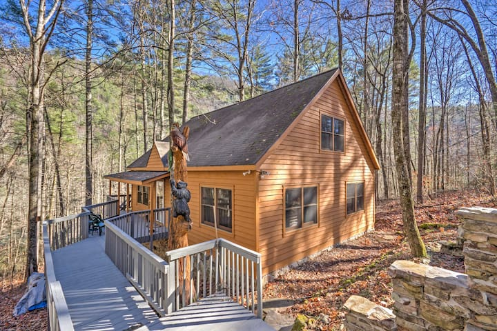 3BR Highlands Cabin Surrounded by Nature!