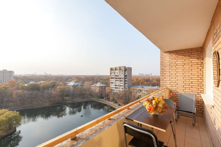 Moscow Cozy Apartment with 180° Panoramic View