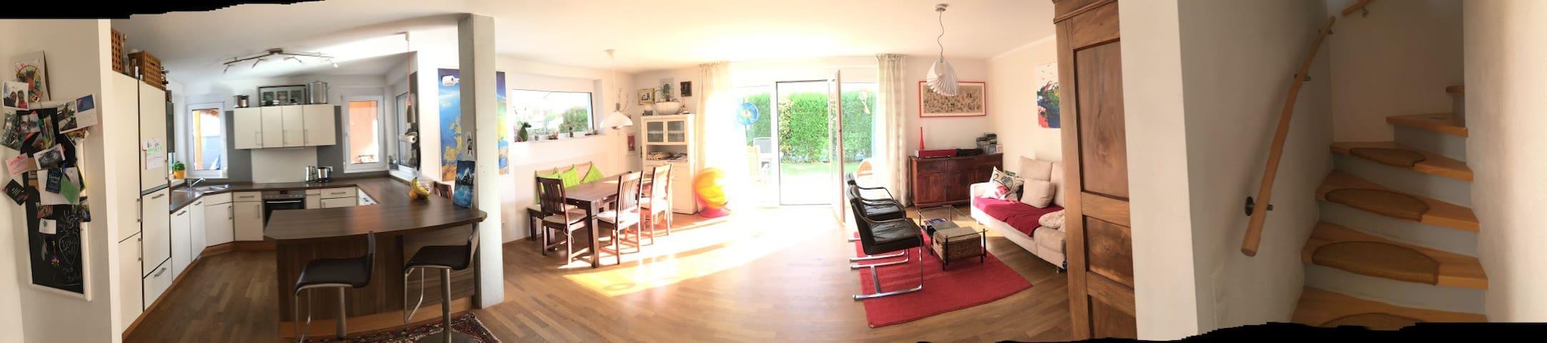 Doppelhaushälfte mit Garten