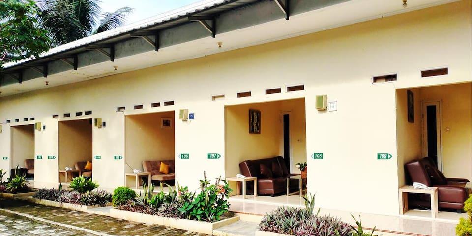 Bakom Inn Syariah Ciawi - Bogor, Standard Twin Room