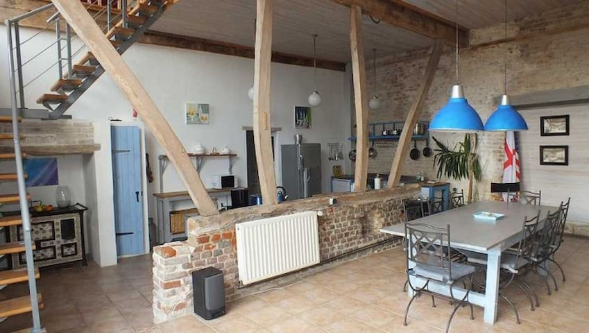 Big Barn near Montreuil sur Mer