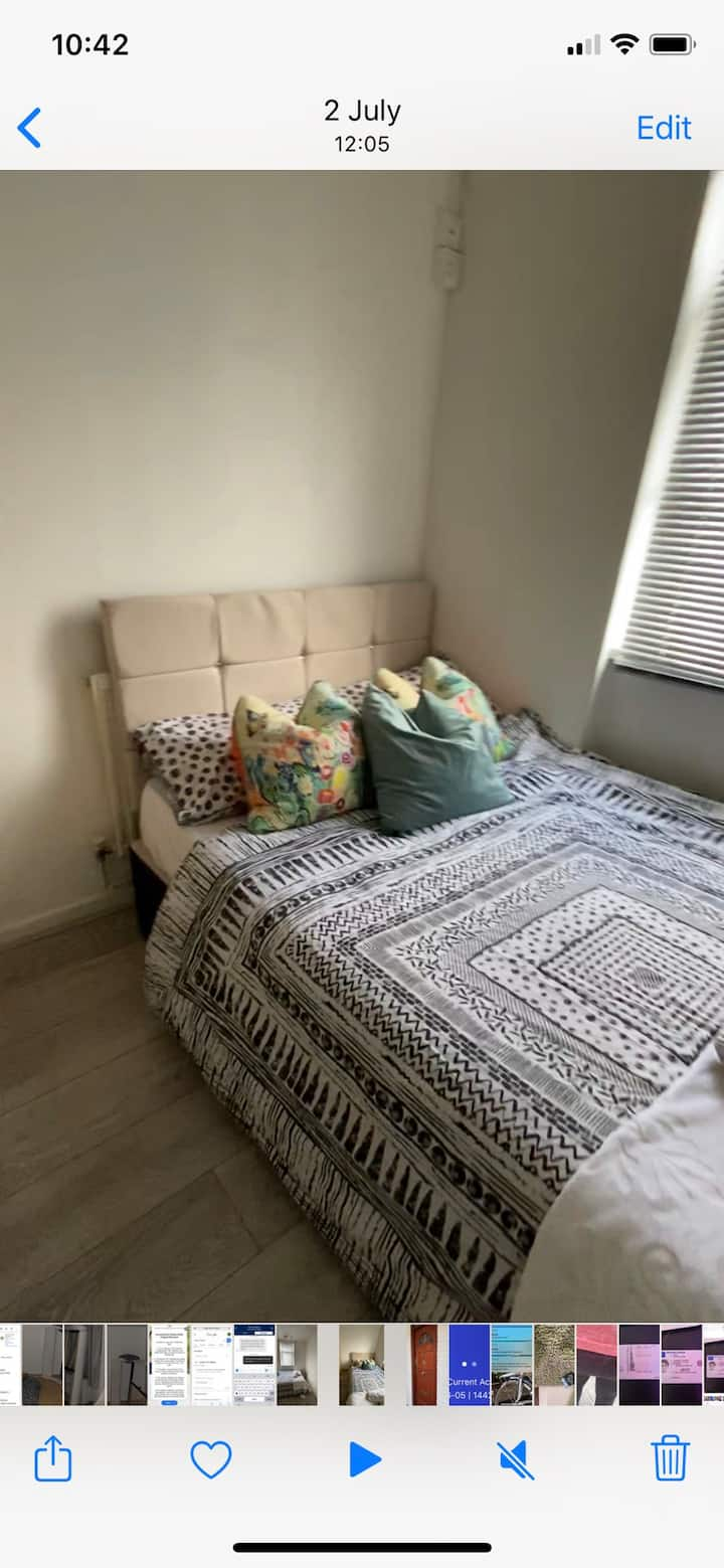 Room 1min walk from Island Gardens station