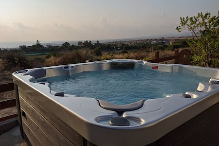 Stunning views in villa w/ hot tub, pool, garden
