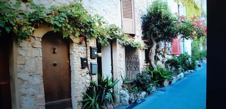 Studio Antibes vieille ville