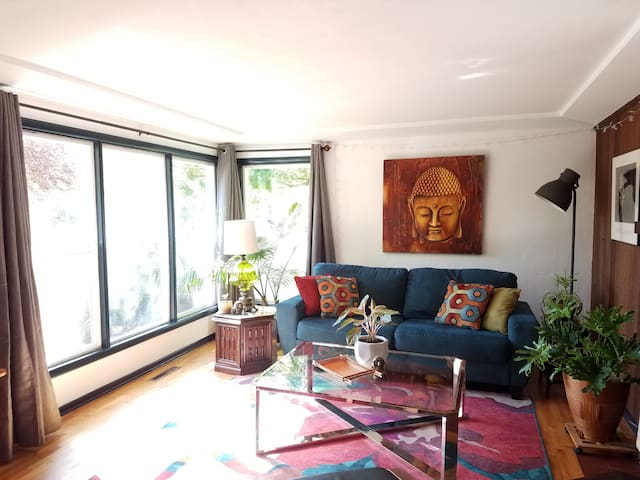 Celestial Cottage: 3 bdrm close to  UO & Downtown